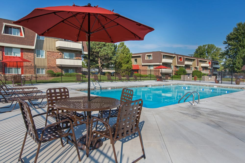 The Park At Whispering Pines Get Quote Flats 3030 E Fountain Blvd Colorado Springs Co