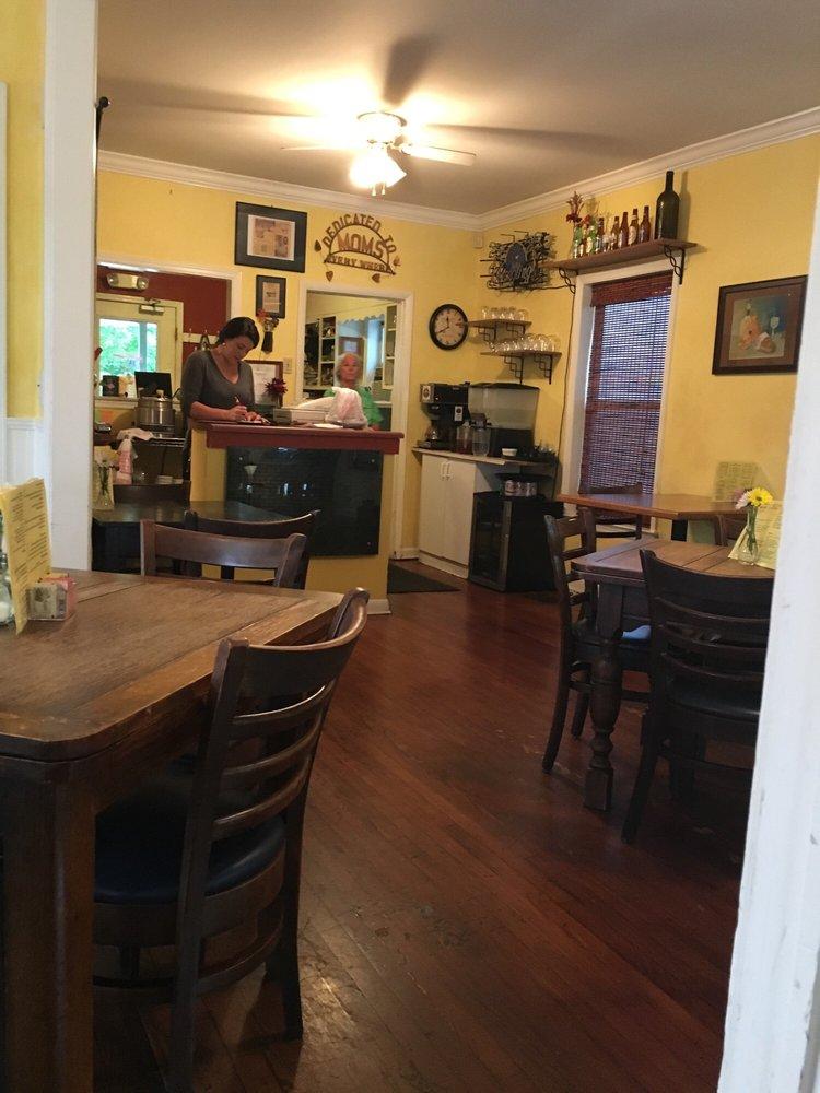 The Big Table: 118 Cross St, Chattanooga, TN