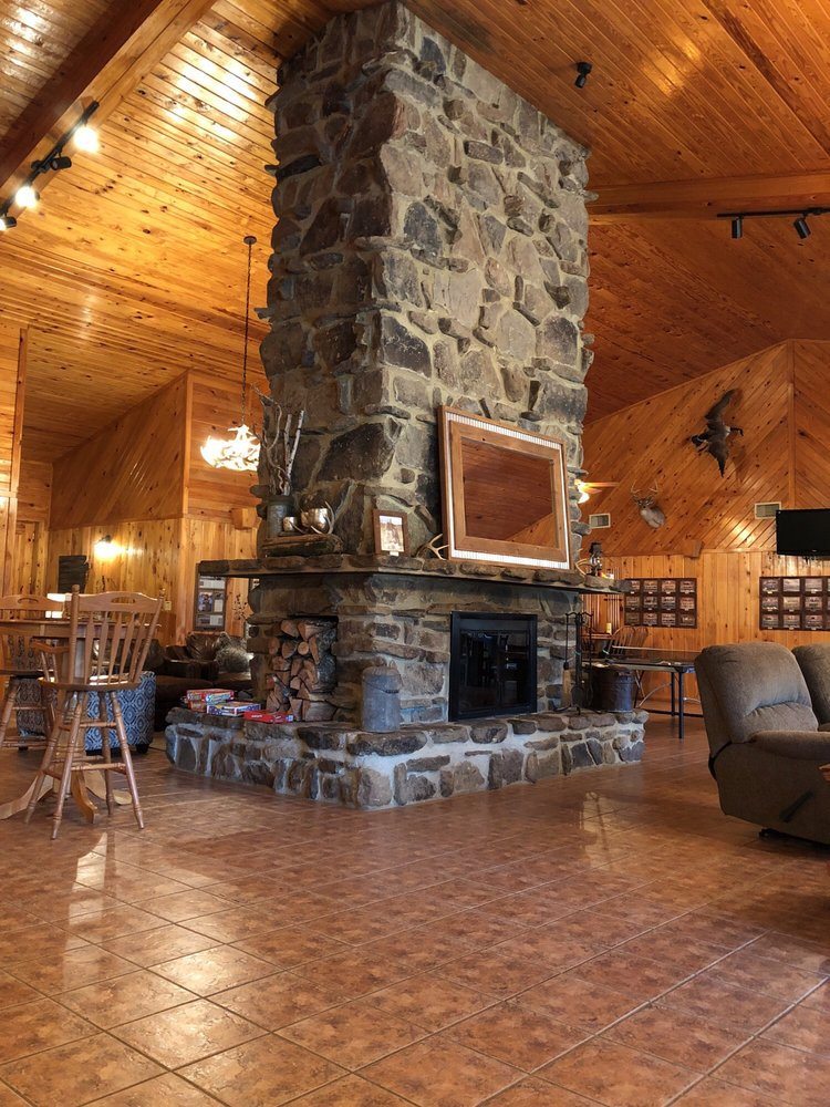 Buckshot Duck Lodge: 187 Hayes Lake Ln, Gillett, AR