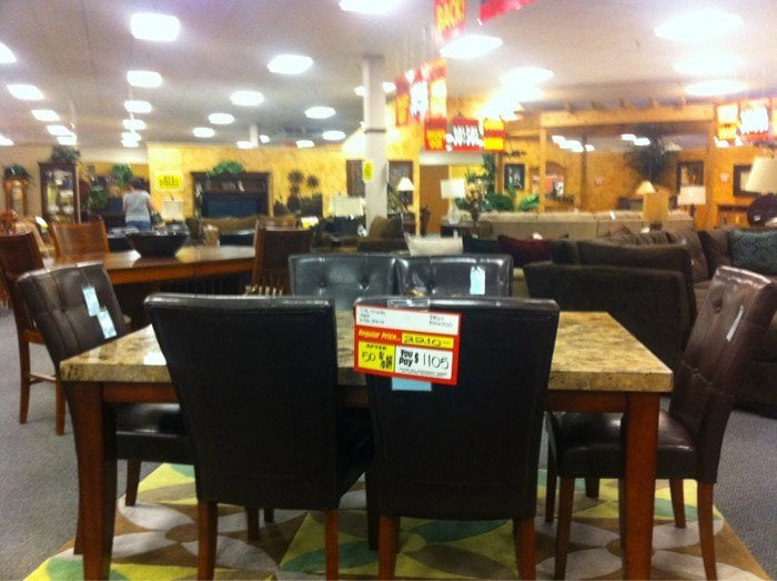 Lack S Furniture Centers Ferm 201 201 Lectrom 233 Nager 2020 W Anderson Ln Austin Tx 201 Tats Unis