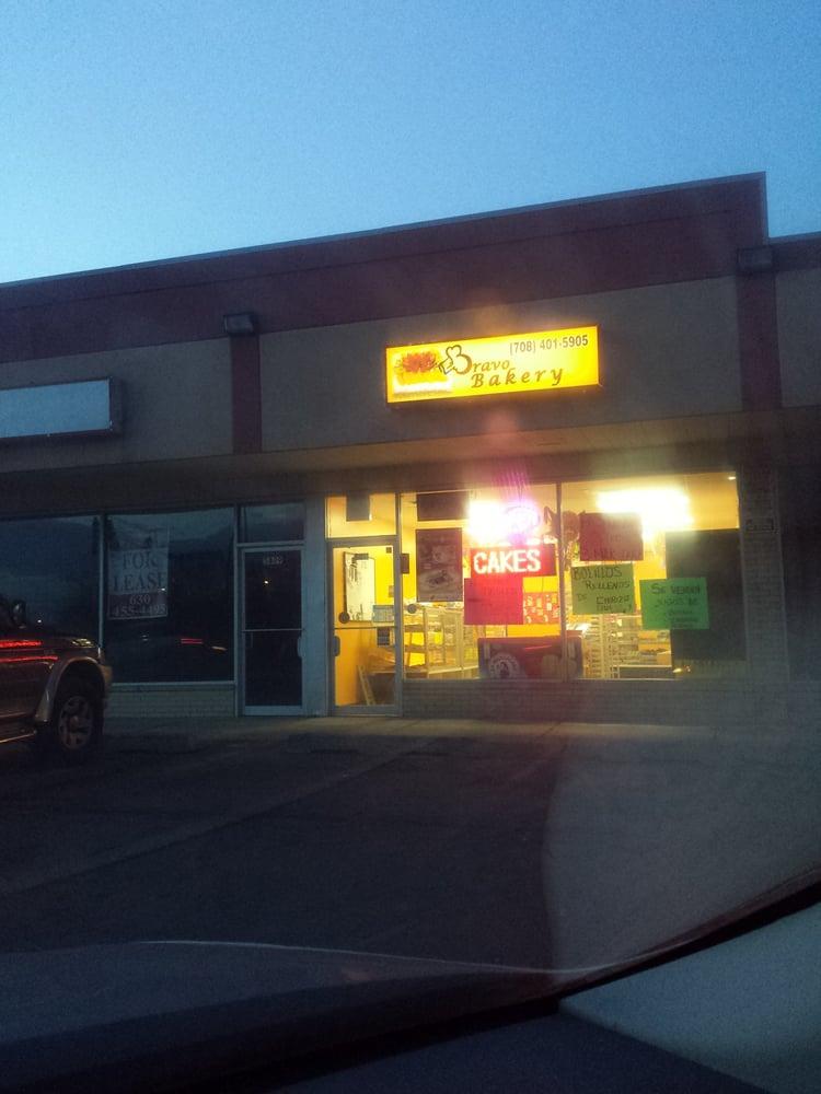 Bravo Bakery: 5811 St Charles Rd, Berkeley, IL