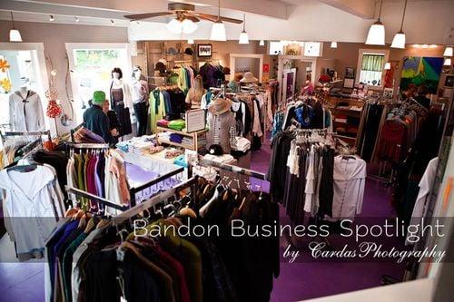 Devon's Boutique: 92 2nd St SE, Bandon, OR