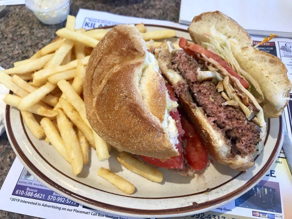 Slate Belt Diner: 370 Blue Valley Dr, Bangor, PA