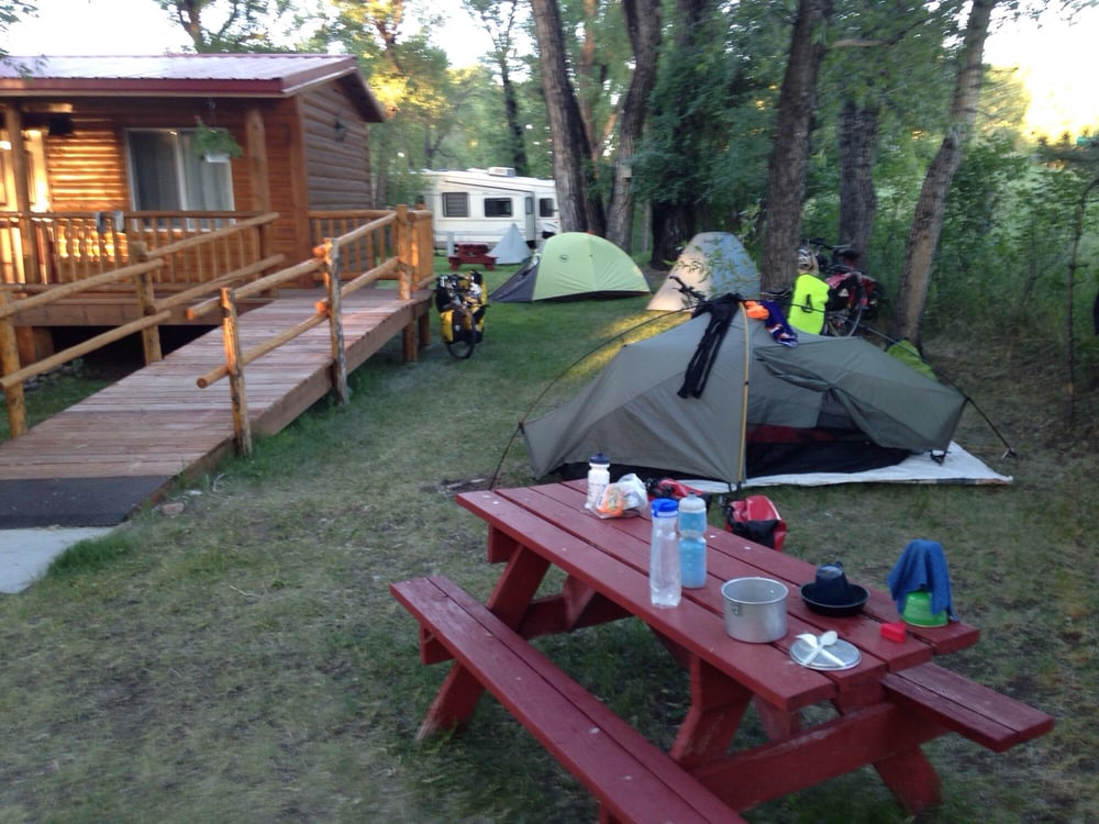 Lazy Acres Campground: 110 Fields Ave, Riverside, WY
