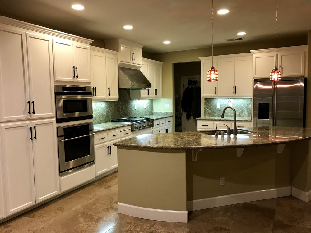 Wondrous New Soft White Kitchen Cabinets With Modern Black Hardware Download Free Architecture Designs Xerocsunscenecom