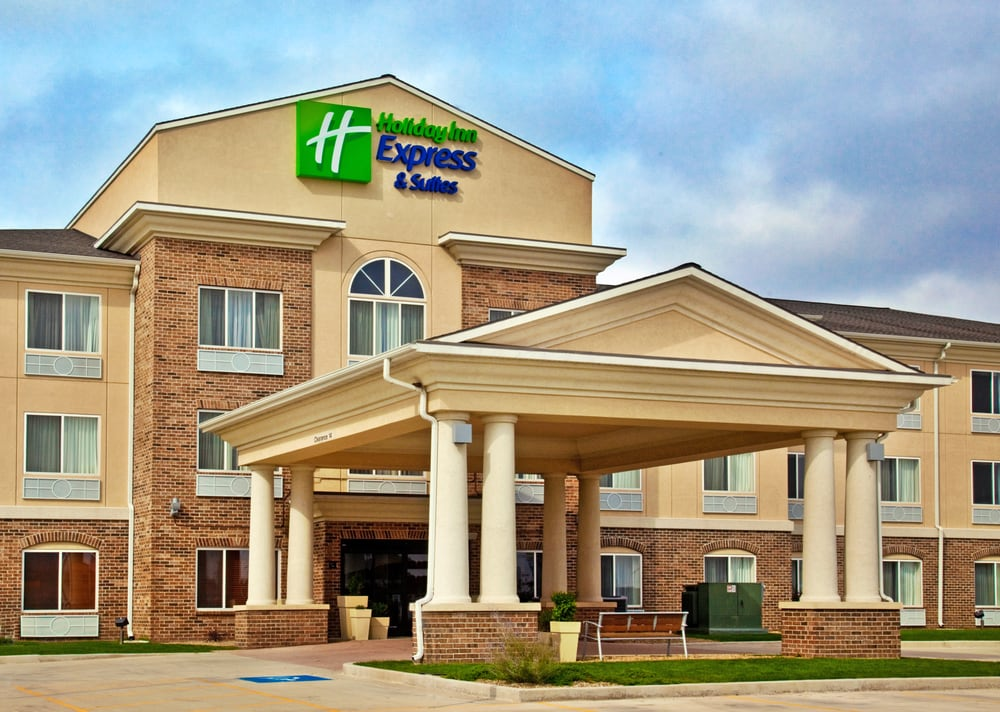 Holiday Inn Express & Suites Jacksonville: 2501 Holiday Ln, South Jacksonville, IL