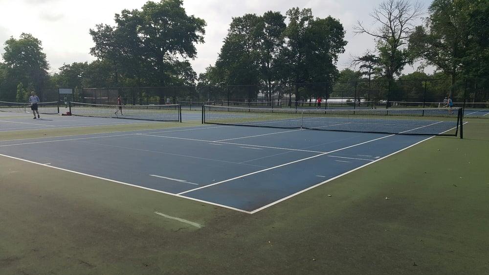 Garfield Park Tennis Courts