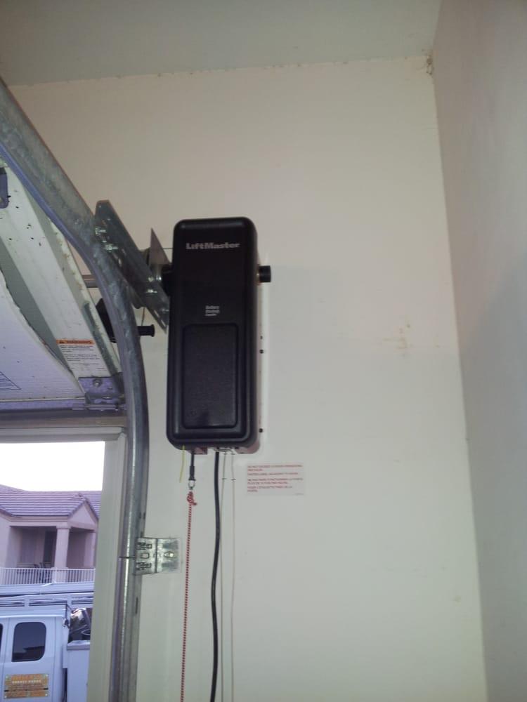 Adept garage doors north ferm 18 avis services for Porte de garage vendome avis