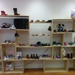 Kinderschoenen 19.Familius Kinderschoenen Shoe Stores Weimarstraat 19 Den Haag