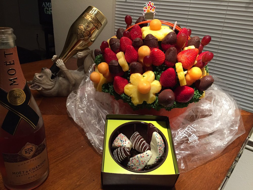 Edible Arrangements, LLC. 95 Barnes Road Wallingford, CT United States. Customer Service Phone: DO-FRUIT Phone: Email: [email protected] ____ About Edible Arrangements Edible Arrangements is a fresh fruit arrangements company founded by .