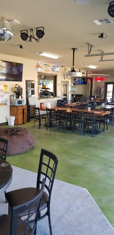 Caddie Shack: 422 Venture Blvd S, Point Venture, TX