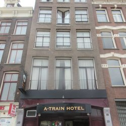 A train hotel h tels prins hendrikkade 23 centrum for Train hotel amsterdam