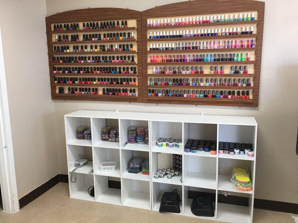 Redmond Nails & Spa: 355 NW Oak Tree Ln, Redmond, OR