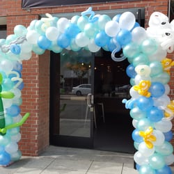 Balloon monster 112 photos party supplies koreatown for Balloon decoration los angeles