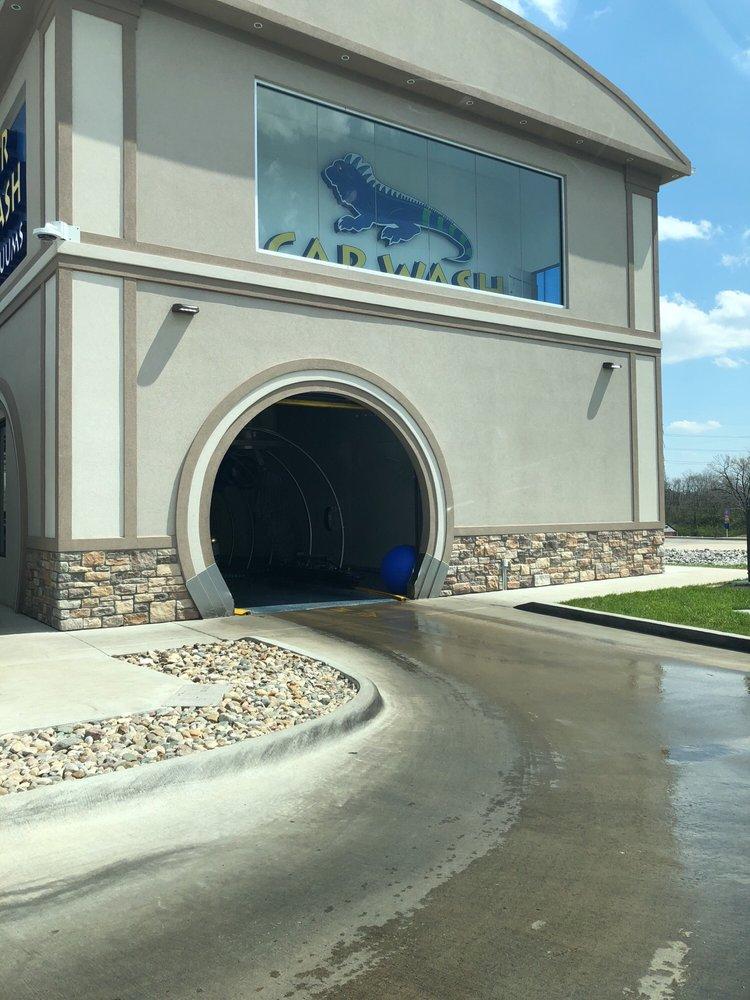 Blue Iguana Car Wash: 9430 Page Ave, Saint Louis, MO