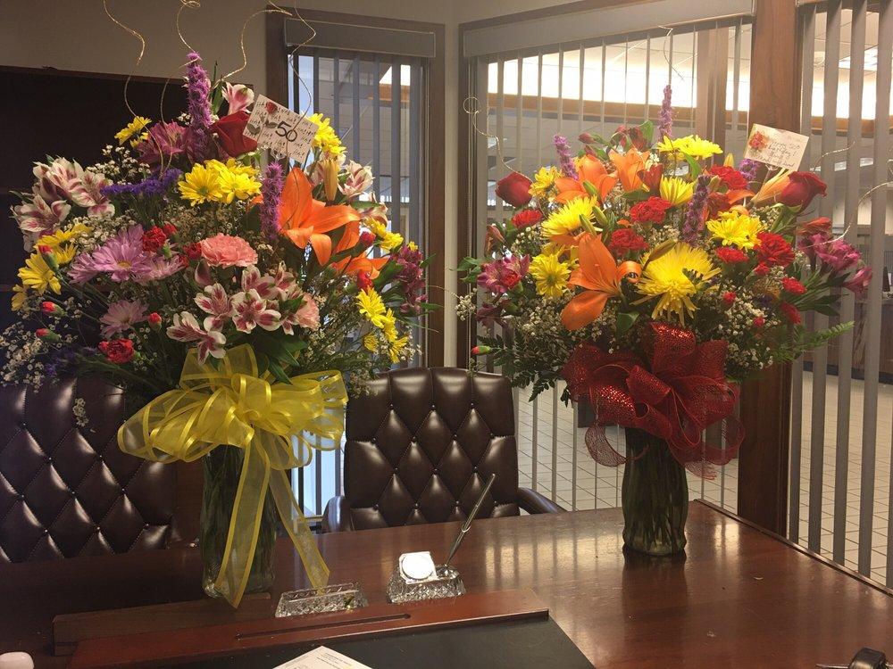 Heathers Haus Florist Florists 16633 Oak Park Ave Tinley Park IL Phon