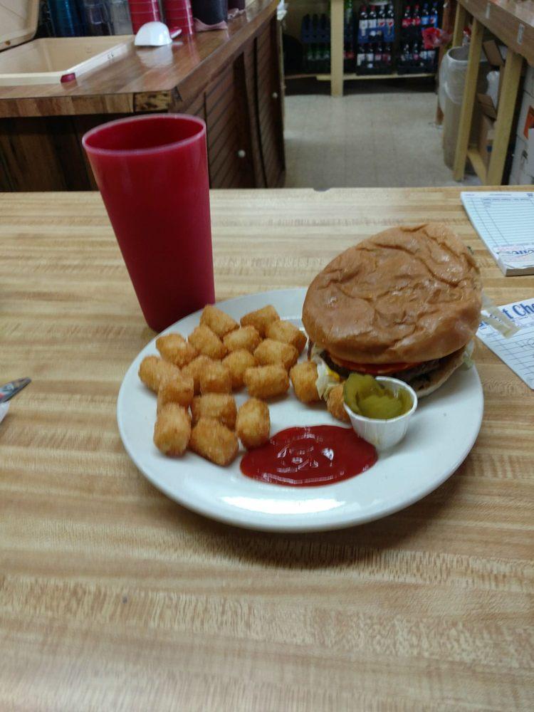 Betty's Stockyard Cafe: 2000 N John B Dennis Hwy, Kingsport, TN