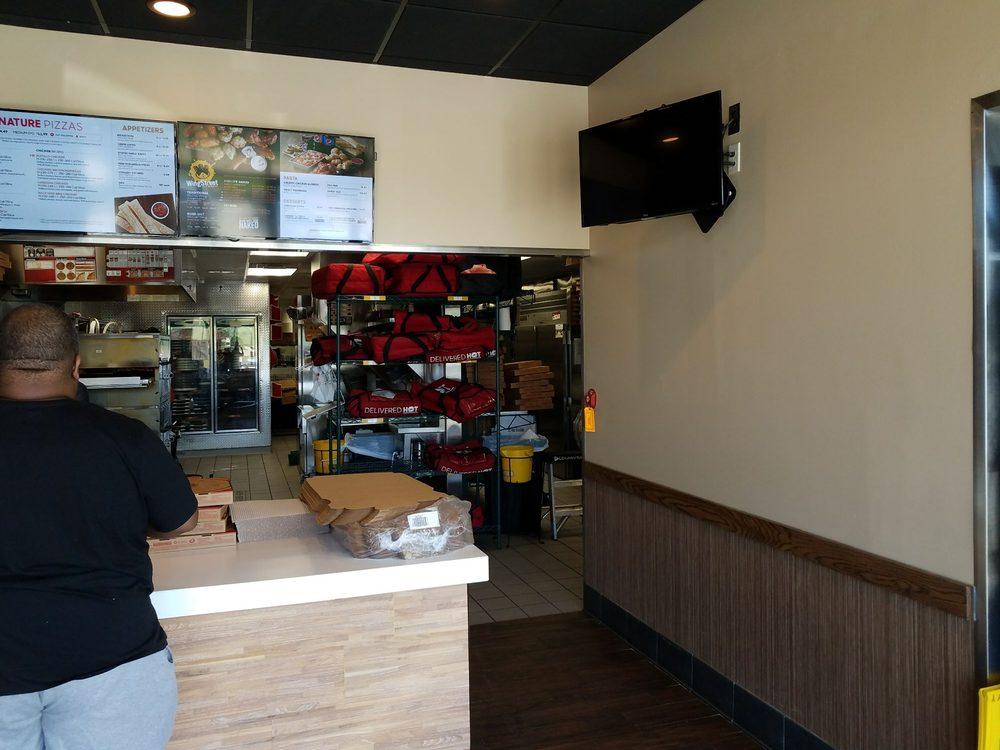 Pizza Hut: 4209 Clay St, Vicksburg, MS