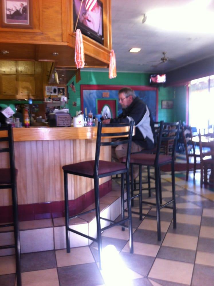 Moni's Grill: 115 W Elm St, Walnut Ridge, AR