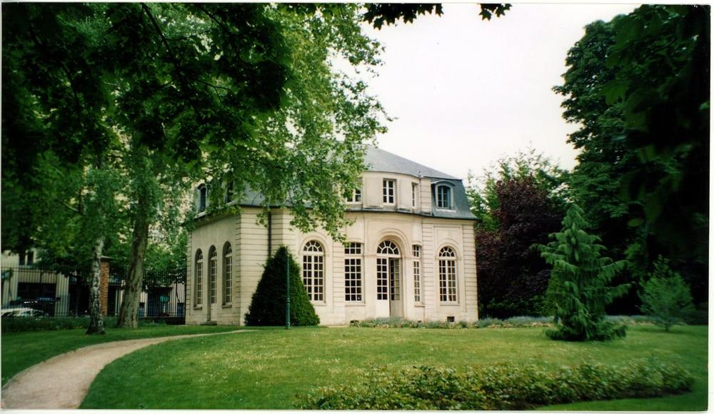 gc6bbmy le pavillon de l 39 ermitage traditional cache in. Black Bedroom Furniture Sets. Home Design Ideas