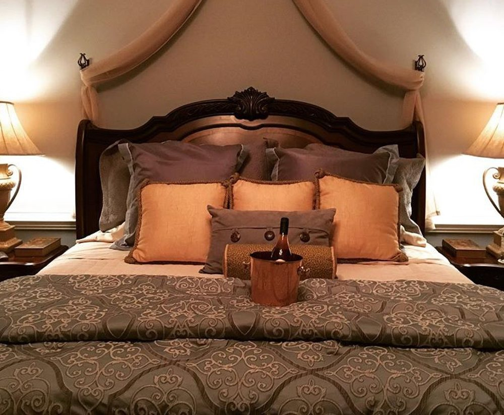 Hidden View Bed & Breakfast: 36474 Charles Town Pike, Purcellville, VA