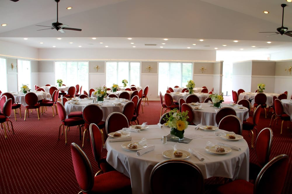 Terra Verde Golf Course & Banquet Facilities: 11741 Leonard, Nunica, MI