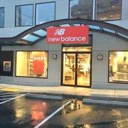 a8f41fb6bf8 New Balance Bellevue - 33 fotos y 18 reseñas - Zapaterías - 823 ...
