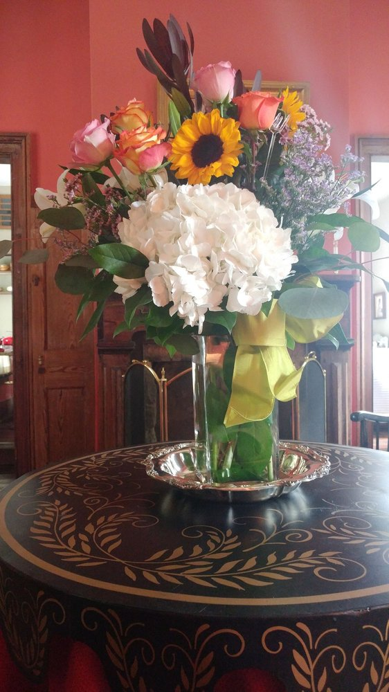 Bessie The Flower: 104 N Madison Ave, Eatonton, GA