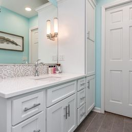 Red House Remodeling Get Quote Photos Contractors - Bathroom remodel west des moines