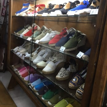 478ec310b1976 La Manual Alpargatera - 100 Photos   38 Reviews - Shoe Stores ...