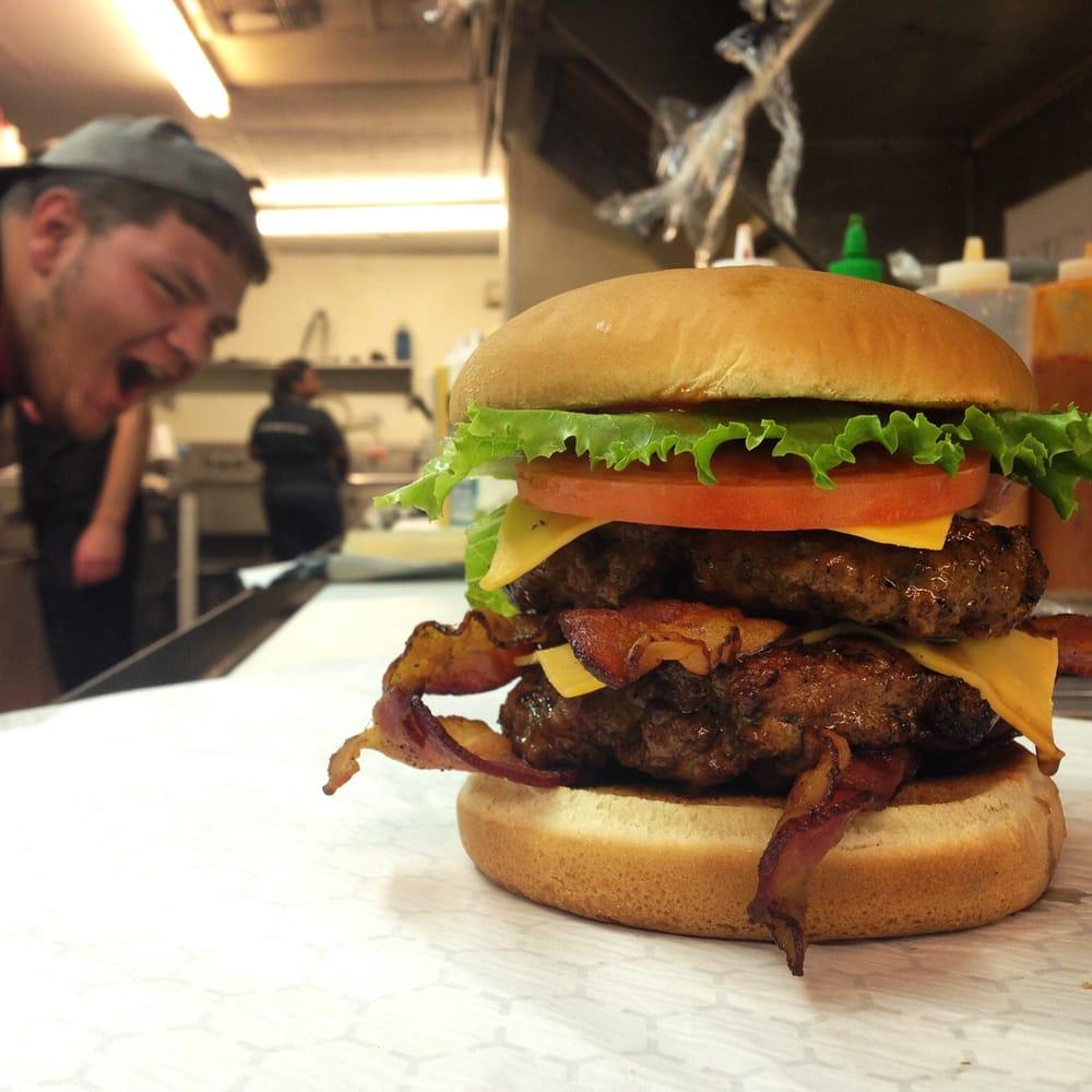 Broaddus Burgers: 610 E Kaliste Saloom, Lafayette, LA