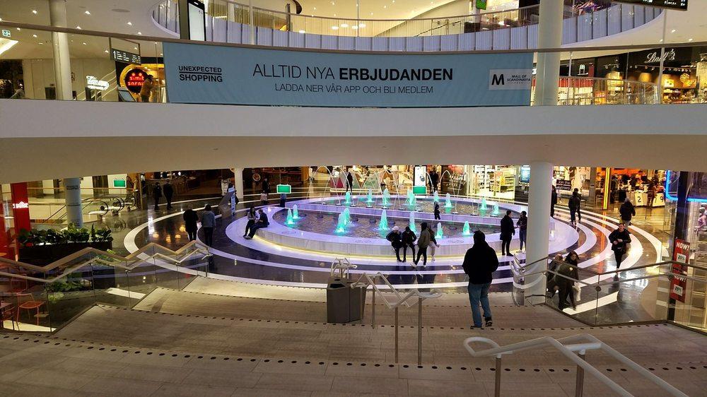 pull and bear mall of scandinavia