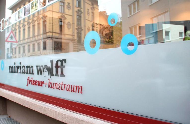 miriam wolff friseur + kunstraum - hairdressers - am weidenbach 39