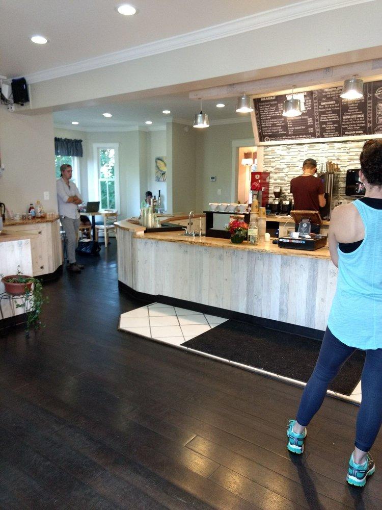 Happy Creek Coffee & Tea: 550 E Main St, Purcellville, VA