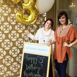 Kendra scott 41 photos 46 reviews jewelry 816 town for Jewelry stores in texas