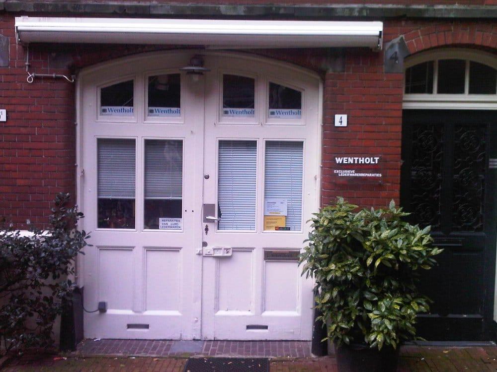Wentholt Kofferreparaties: Nieuwezijds Kolk 4, Amsterdam, NH