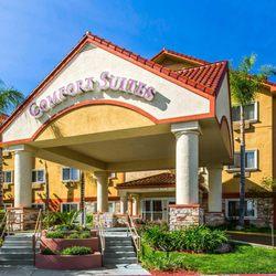Photo Of Comfort Suites Near Six Flags Magic Mountain Stevenson Ranch Ca United