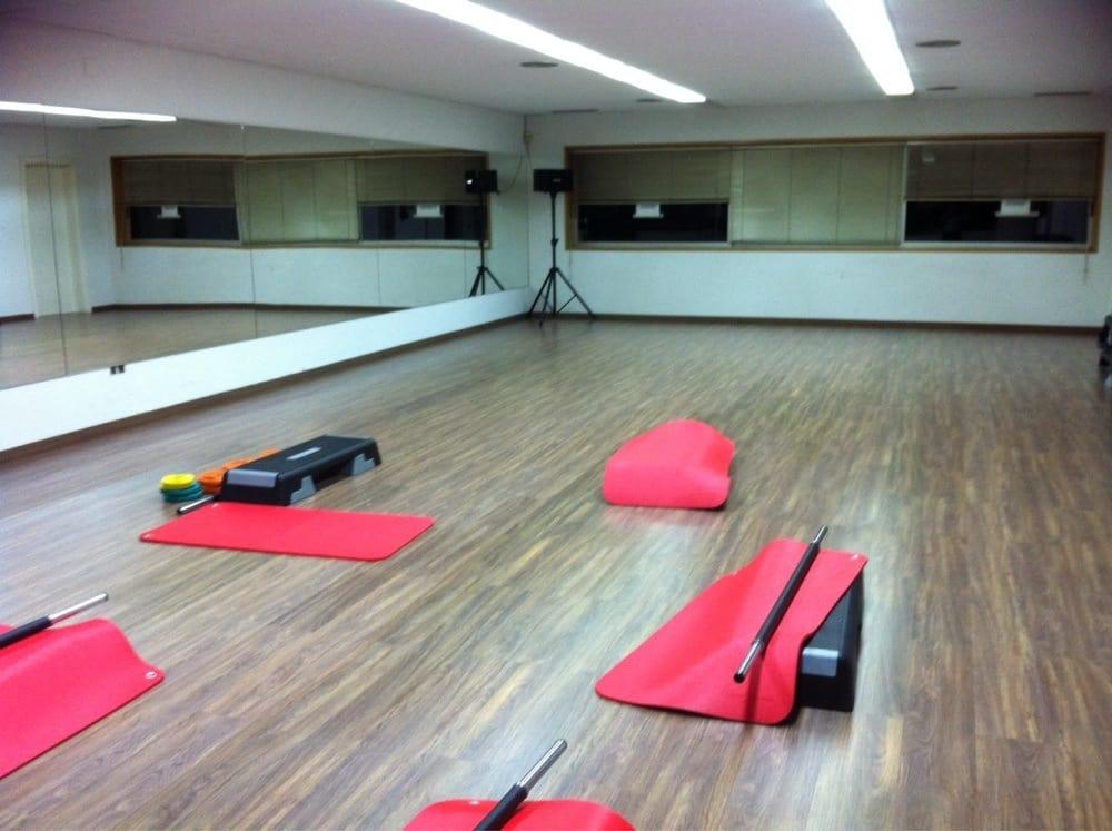 Gimnasio fitness studio gimnasios camino cebolla 7 for Gimnasio 4 caminos