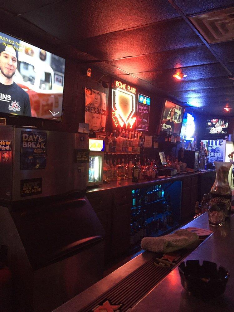 Home Plate Sports Bar