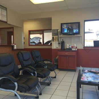 Photo Of Jiffy Lube   Leavenworth, KS, United States. Waiting Area