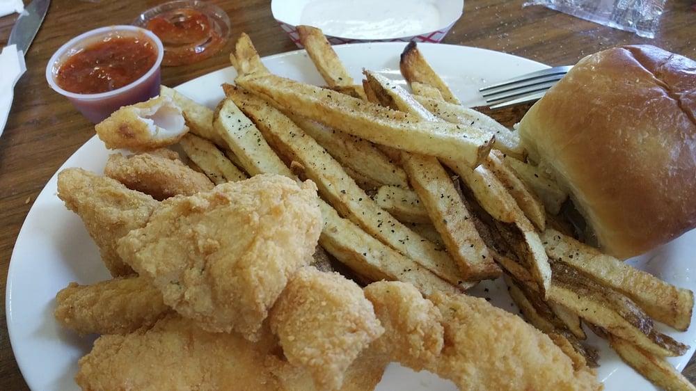 Country Kettle Restaurant: 701-709 N Garrison St, Frankston, TX