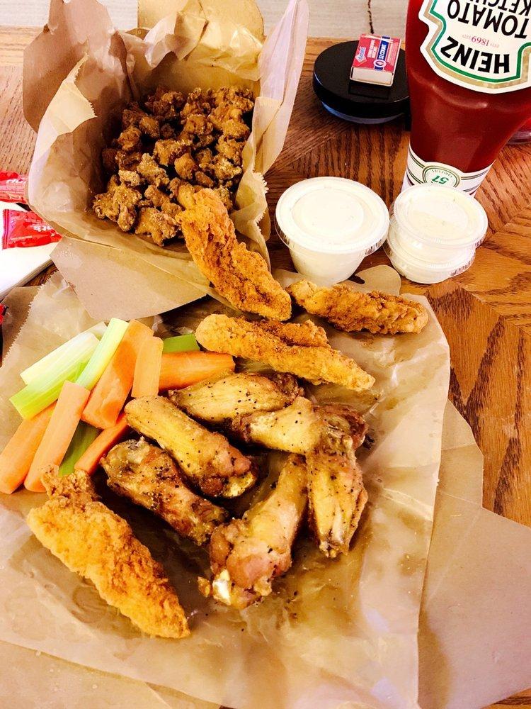 Food from Brother's Wings & Bings