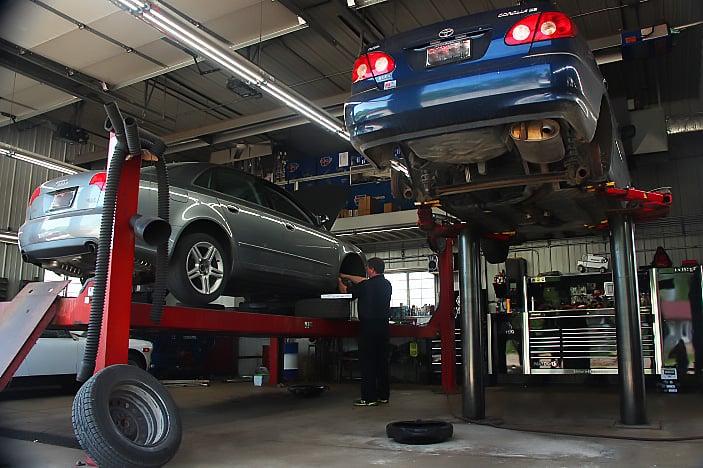 Arn's Auto Service: 802 2nd St, Brodhead, WI