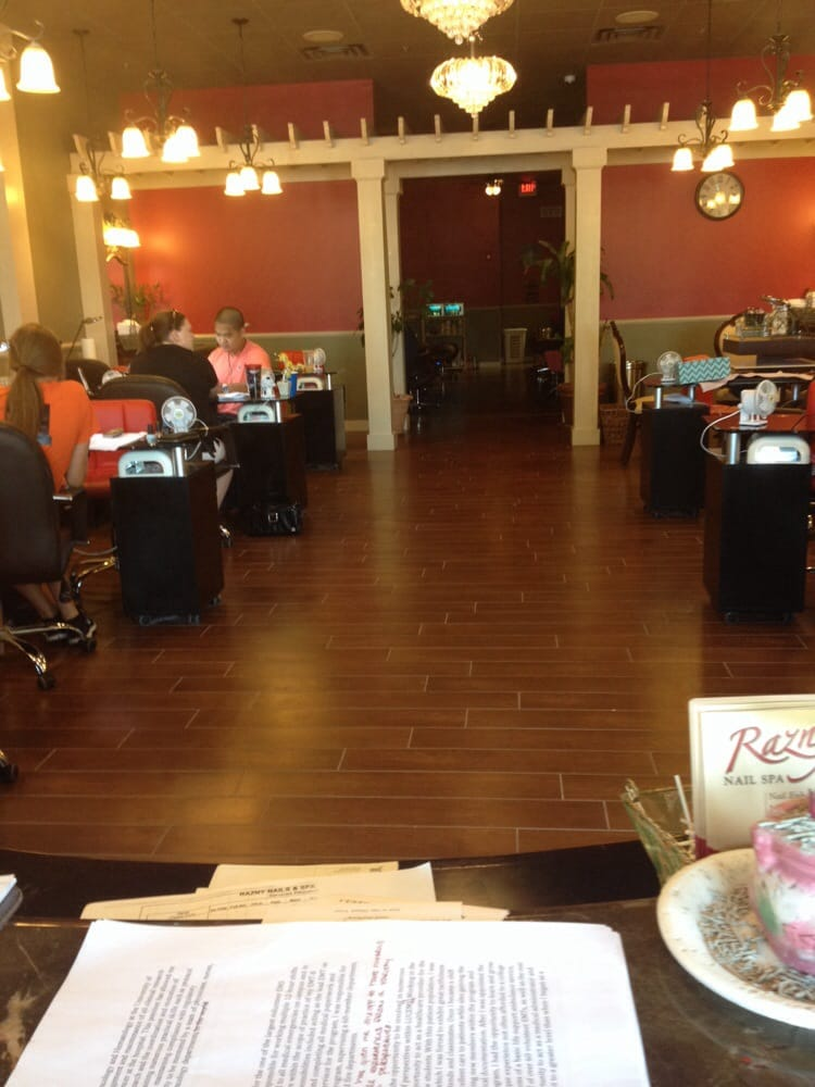Front entry yelp for A q nail salon collinsville il