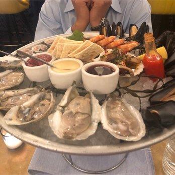 Saint James Seafood 173 Photos 106 Reviews Seafood 806 W