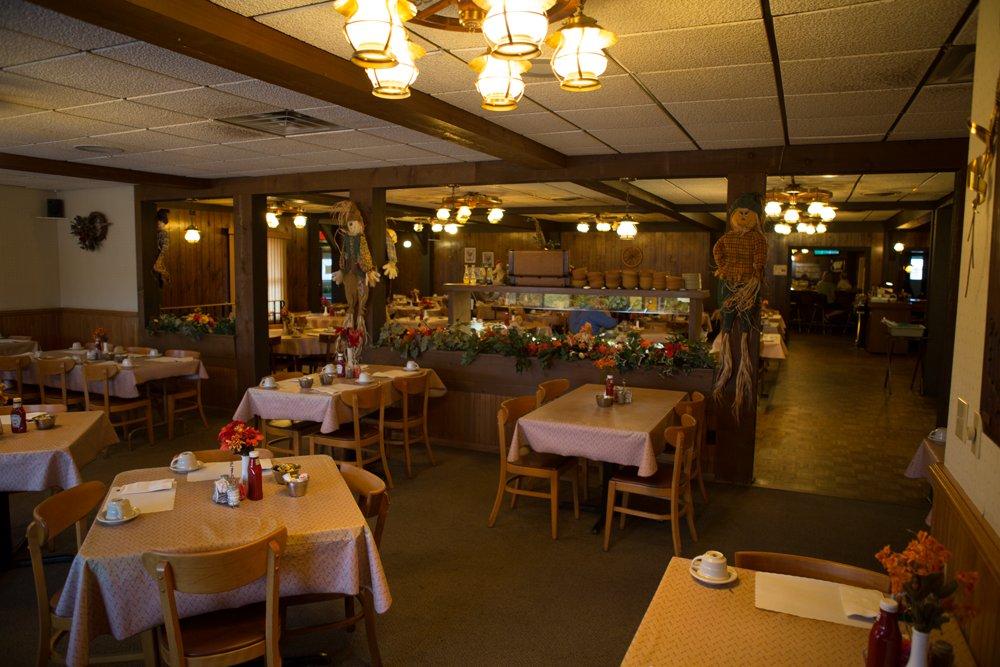 Klemme Wagon Wheel Restaurant: 120 S Wis Dr, Howards Grove, WI