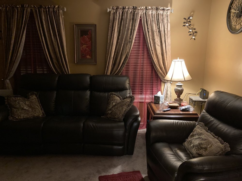 Russell Furniture & Floor Coverings: 222 W Main St, Staunton, IL