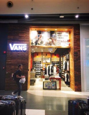 vans boutique in singapore