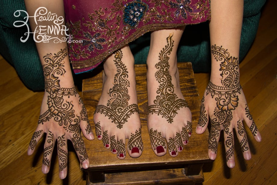 Bridal Mehndi Hands And Feet : Bridal mehndi simple designs for both hands and feet can take up