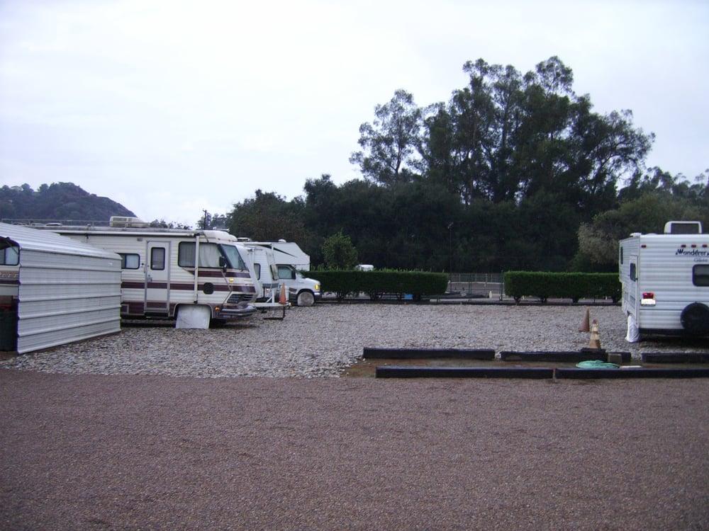 Descend vehicle rv storage vendita camper caravan for Piani di costruzione di storage rv